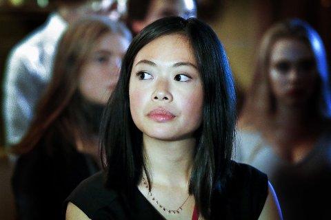 MÅ VENTE: Stortingsrepresentant Julia Wong (Ap) forteller om en lenger prosess enn forhåpningene i forkant. Her er hun avbildet valgnatten under sist Stortingsvalg.
