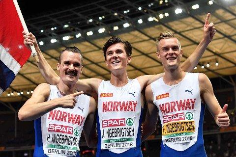 TRIO: Alle de tre brødrene skal i aksjon. Filip og Jakob løper én engelsk mil, mens Henrik løper 3000 meter.