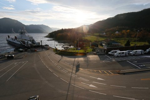 LAUVVIK: Sandnes og Forsand kommune mener at det ikke finnes hjemmel for kravet i det å skulle betale tre millioner kroner i året for leie av det de mener er en offentlig vei.