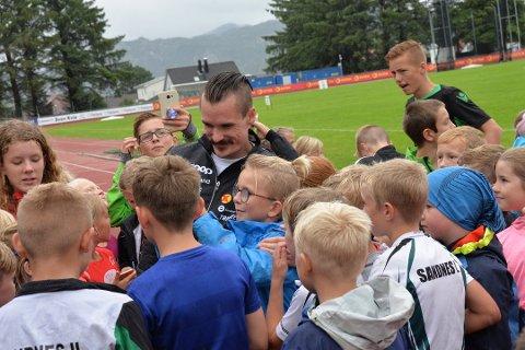 POPULÆR: Det er nok mange som vil til stadion for å se Henrik Ingebrigtsen i EM. Alle kan ta gratis buss til og fra.