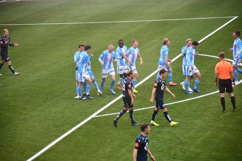 Adrian Berntsen rakk å score et mål i treningskampen mot Viking i år før han ble skadet.