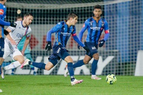 Kaloyan Kostadinov (18) har gått fra benken i Sandnes Ulf til fast plass på et meget godt Stabæk lag.