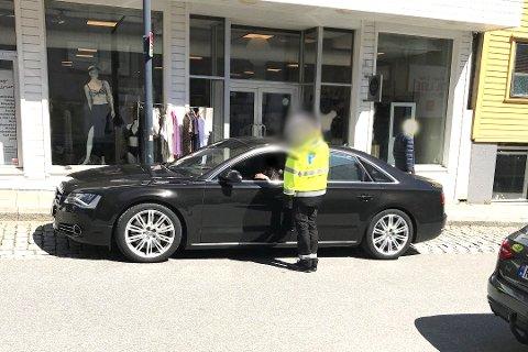 IRRITASJON: Bildet er tatt av Odd Magne Berheim selv. Han lot seg irritere over at sjåføren først ikke fikk tillatelse til å stå der i noen minutter. Foto: Privat