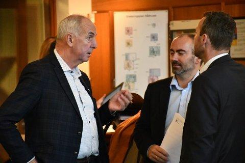 ORDFØRERE: Stanley Wirak (t.v.) sammen med Tom Henning Slethei (Frp) og Jarle Bø (Sp). De er ordførere i henholdsvis Sola og Randaberg.