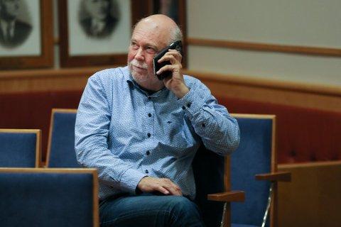 Kommuneoverlege Hans Petter Torvik forteller at testing utføres ved eldresenteret på langfredag.