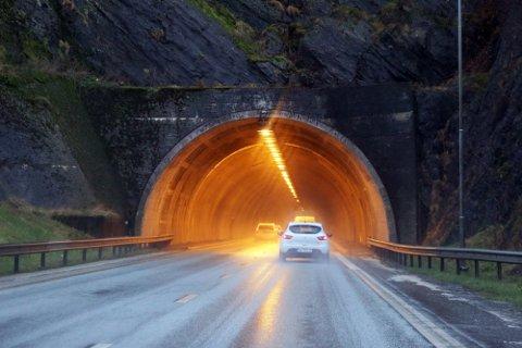 En yrkessjåfør ble stanset på oppdrag i Auglendstunnelen. Han ble målt til å ha en promille på cirka 1,8.