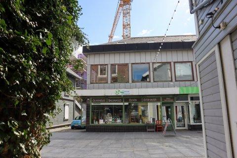 Gresk Gourmet legger ned sin virksomhet i Langgata 3, da bygget skal rives.