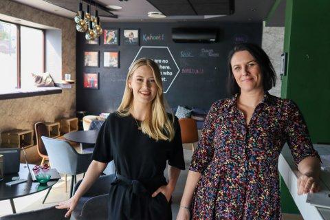 Birgitte Landsvik (24) og Mari Aartun (40) gleder seg til å invitere til nye arrangement i cocktailbaren Petite.