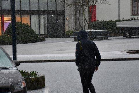 Store haglbyger fredag 9. April.
