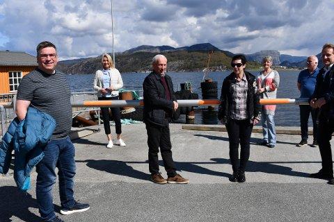 MISNØYE: Posisjonspolitikerne i Sandnes er misfornøyd med med det nye planlagte fergetilbudet på Lysefjorden. Fra venstre: Arne Buchholdt Espedal (Ap), Annelin Tangen Mjølne (Ap), Martin S. Håland (Sp), Ellen Karin Moen (FNB), Laila Espedal (Sp), Arve Roseland (FNB) og Tore Andreas Haaland (Frp)