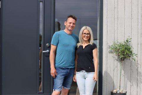 Silvia og Jonas Skretting bygget drømmeboligen på tomta der Silvia hadde sitt barndomshjem.
