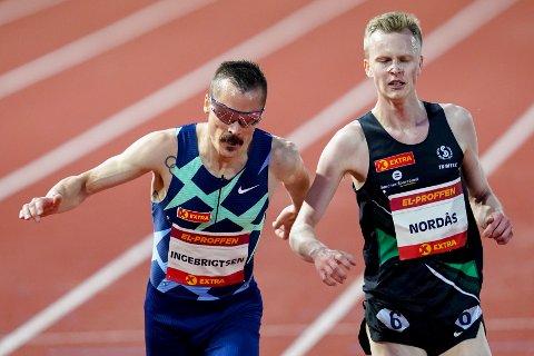 Narve Gilje Nordås (t.h) og Henrik Børkja Ingebrigtsen i aksjon på 5000 meter under Bislett Night of Highlights på Bislett stadion i Oslo fredag kveld.