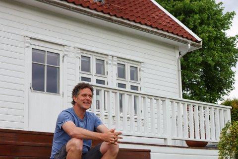 Ragnvald Soma (41) har bosatt seg med familien sin På Bersagel. Dette har gjort ham bare godt.