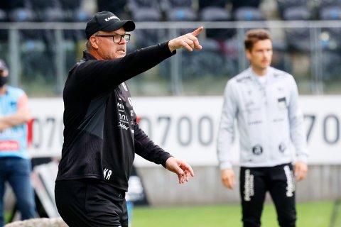 HamKam trener Kjetil Rekdal topper tabellen før den 12. serierunden.