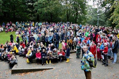 FOLKEFEST: Eventyruka med den populære Eventyrstien har i flere år vært blant de største årlige arrangementene i Sandnes. Det blir fest i år også, men ikke helt som vanlig. Dette bildet er fra 2019.