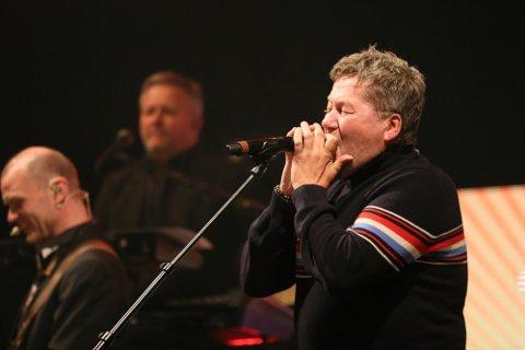 Bjarne Brøndbo og D.D.E leverte varene på scenen.