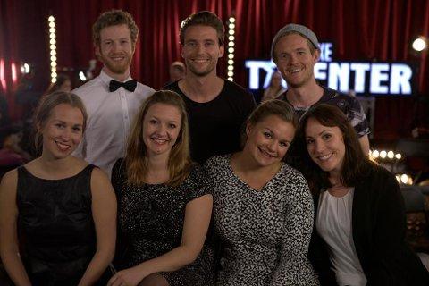 The Monday People med sarpingen Lars Martin Sundell bak til venstre. A capella-gruppen deltar i Norskle Talenter 2015.