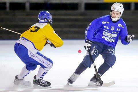 KARANTENE: Anders Olsson (t.h.) har fått karantene i åtte kamper. Foto: Tobias Nordli
