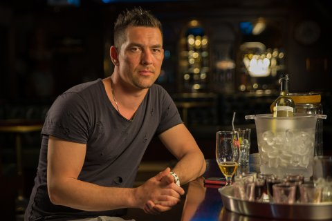 SPANDABEL: Thomas Hansen brukte 126.000 kroner på festing i løpet av ett år. I kveld kan du se ham i «Luksusfellen» på TV3.