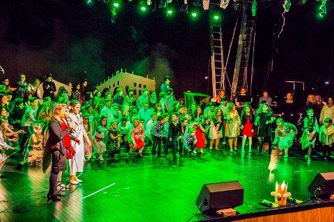 110 barn og unge leverte en fantastisk forestilling på Sarpsborg Scene i kveld.