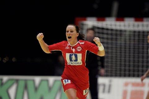 Nøkkelspiller: Ragnhild Aamodt under finalekampen  i håndball-EM for kvinner mellom Norge og  Russland i Stockholm, hvor hun var med og fikset gull. Foto: Gorm Kallestad / SCANPIX