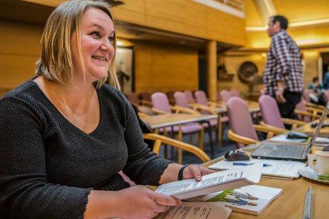 RIKTIG: Margrethe Motzfeldt, leder i Sarpsborg Venstre, mener det er riktig av partiets hennes gå inn i regjering med Fremskrittspartiet og Høyre. Fire år som støtteparti til regjeringen var nok, mener hun.