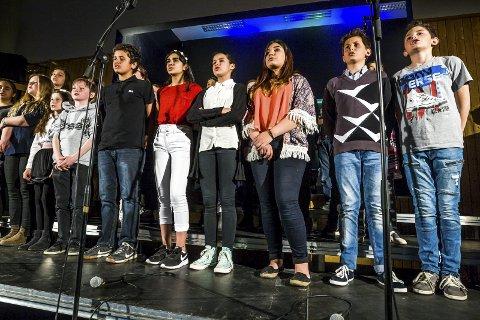 UNDERHOLDT: Elevene sto selv for underholdningen på 1.000 års festen.