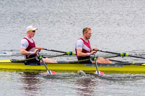 Olaf Tufte og Kjetil Borch hadde få problemer med å ro inn til NM-gull i dobbeltsculleren.