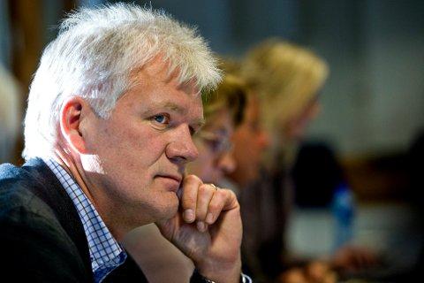 VILLE IKKE FORSKUTTERE: Arbeiderpartiets Svein Larsen ville ikke forskuttere at prosessen endte med færre kirker i Sarpsborg, men han så ikke bort fra at det kunne bli resultatet.