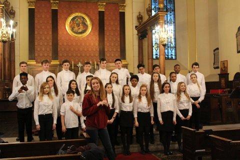 MEDLEY: Skolen er best kjent for å filme sine forestillinger, og det ble gjort i St. Paul's Church i Covent Garden. Filmen er en teaser til den kommende «Hamilton»- musikalen som settes opp i Victoria Palace Theatre i West End.