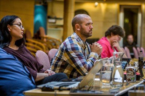 BORGERLIG: Miljøpartiet De Grønnes Frank Vigart Eriksen deltok torsdag på gruppemøtet til Høyre og Fremskrittspartiet i forkant av bystyremøtet.