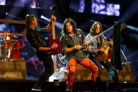 Nesten: Åge Sten Nilsen og Ammunition sang «Wrecking Crew» under Melodi Grand Prix i Oslo Spektrum, og kom til slutt på en andreplass.