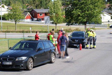 To biler kolliderte i Jutunveien/Braveien.