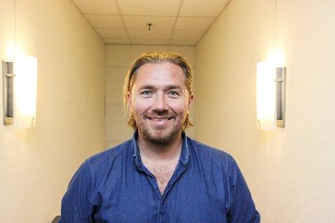Gleder seg til jul: Stian Joneid setter opp showet «Jul hos Joneid» over fire desember-kvelder på Sarpsborg scene.