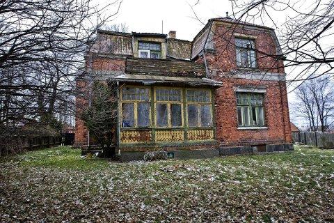 RIVES: I løpet av høsten rives det gamle mur- og trehuset Borregaardsveien 5, ofte omtalt som «ingeniørboligen».