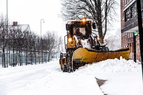 MER SNØ: Det er varslet rundt 10 centimeter snø i Sarpsborg torsdag kveld. Dette bildet er fra et snøfall for noen år tilbake.
