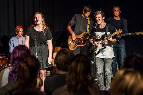 REDDES: Får Østfold Arbeiderparti slik de vil skal det fortsatt være 30 musikkelever på Greåker. Bildet er fra en solidaritetskonsert som musikklinja arrangerte i 2014.