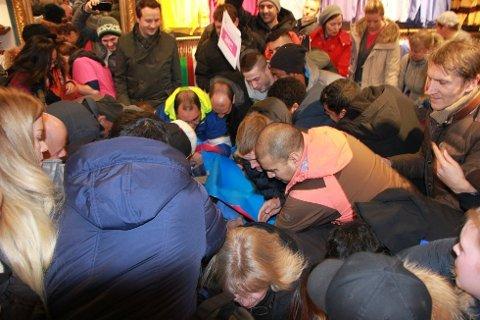 SHOPPINGHØYTID: Black Friday er årets største shoppinghøytid. Da er det kamp om de beste tilbudene.