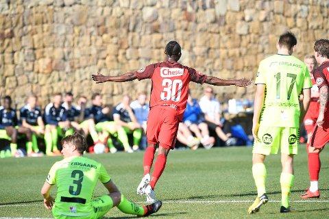 Gilbert Komson og Brann ble for tøft for Sarsborg 08 i ettermiddagens treningskamp i Marbella.
