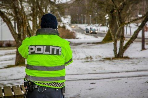 HØY FART: Politiet har den siste tiden hatt et økt fokus på fart og trafikksikkerheten i Opstadveien. Ved en rekke anledninger har politiet stanset flere bilister i dette området.