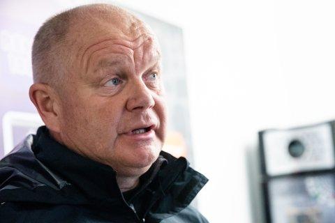 Fredrikstad FK og trener Per-Mathias Høgmo sliter med å avgjøre kamper, men ligger godt an i jakten om opprykk.
