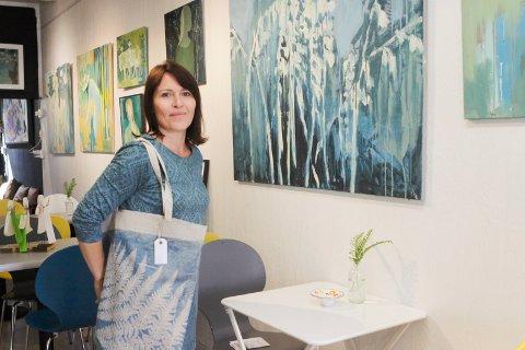 Ny utstilling: Bildekunstner Anna Eljaz stiller ut sine arbeider i galleri Hos Anetta fra lørdag 15. september.