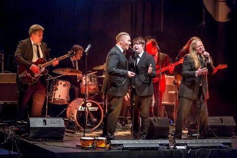 Tilbake i april: Sarpsborg scene, som for tiden restaureres og bygges om, har startet opp billettsalget igjen, blant annet til Beatles-showet «It Was 50 Years Ago Today» i april. Her er Jan Erik Arntsen (fra venstre), Stian Joneid, Jonas Groth og Eirikur Hauksson på Sarpsborg scene i 2014.