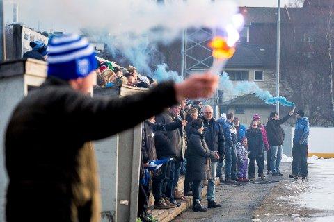 Full fart: En tidligere 2. juledagsmatch på Sarpsborg kunstisbane med mange tilskuere og herlig stemning.