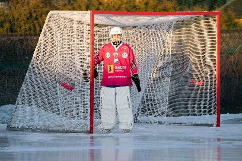 PENDLET TUR - RETUR MOLDE - SARPSBORG: SBKs keeper Rikard Thorkildsen bruker mesteparten av andre juledag på pendling for å spille kamp på bandyens festdag.