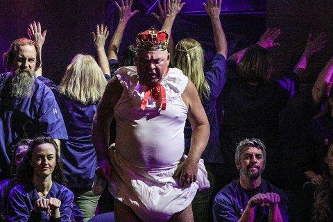 Kong Herodes i bleier, spilt av Pål Nielsen.
