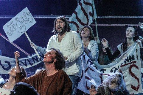 Rekordsalg: Jonas Groth og resten av ensemblet i «Jesus Christ Superstar», nærmer seg 4.000 solgte billetter.