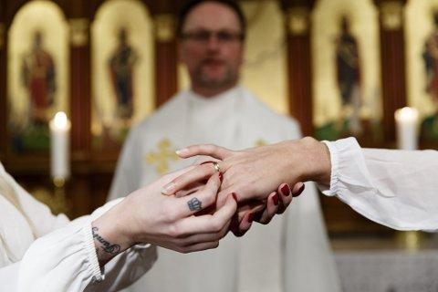 Ektefeller kan få tidligere skattefordeler av giftermålet.