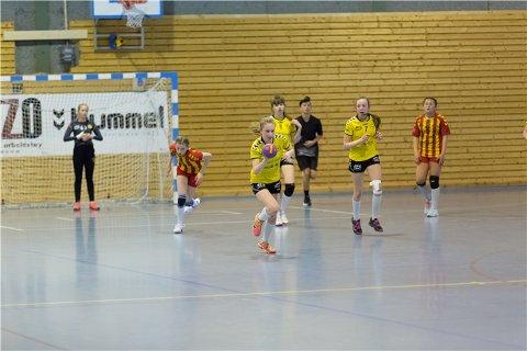 OLAVSCUPEN: Mange unge håndballspillere har vært i aksjon i Sarpsborg denne helgen.