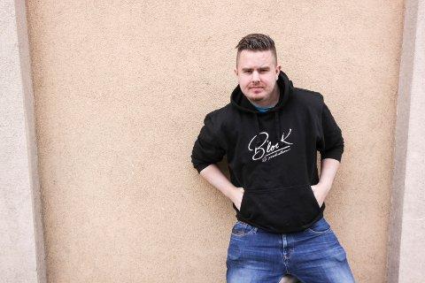 Klar med ny musikk: Daniel «B'Look» Bjørnholm fra Hannestad, som nå er bosatt på Trosvik.